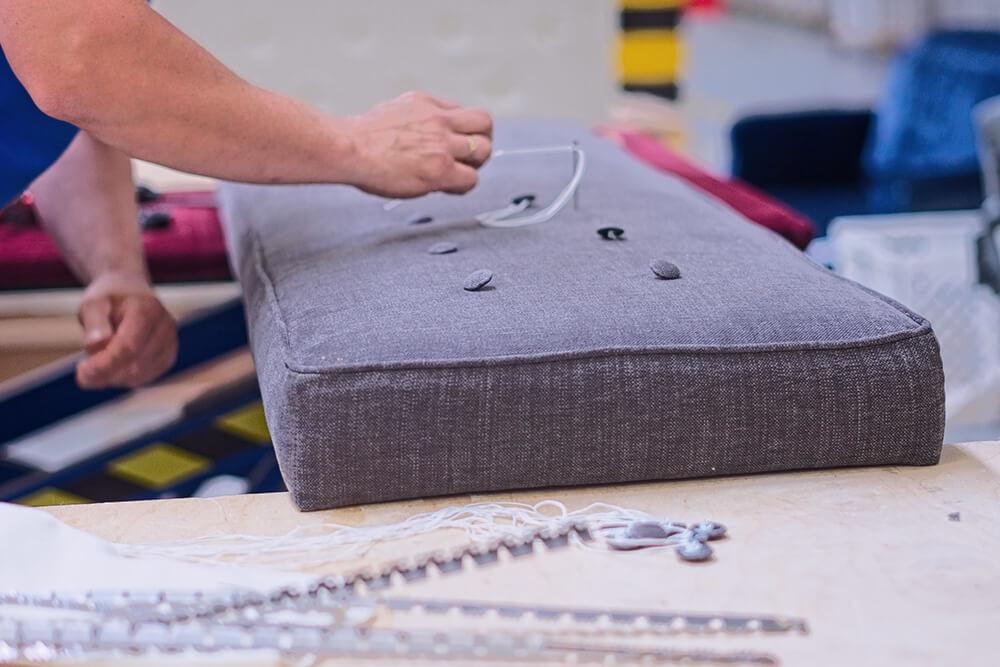 produkcja mebli tapicerowanych dla salonów i pośredników salonów sprzedaży mebli
